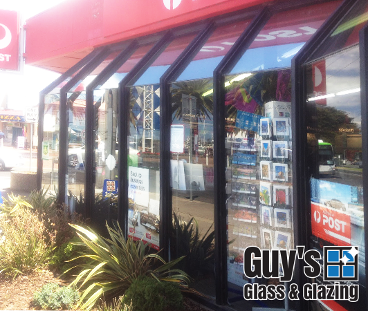 guys-glass-glazing-example-new-shop-front-lakes-entrance-2014-1
